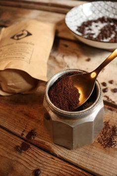 Using a Moka Pot to make the perfect cup of espresso. Perfect Cup, Fika, Mocha, Coffee Shop, Espresso, Marketing, Lifestyle, Tableware, Coffee Shops
