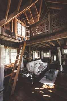 A BEAUTIFUL MESS @Elyse Woodbury Pehrson Larson of A Beautiful Mess At Home With Lynne Knowlton (that's me) :) !!  #treehouse ideas #retreat inspiration xx