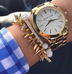 #Repost @smalltownstyles  Today's Arm Party ft @kinsleyarmelle. Wearing here; Glitz Collection- Khaki Bracelet (which is now on sale!)  head over and check out her beauties remember to use code >>kimberly20off<< to get 20% off your WHOLE purchase      #womensfashion #whatiwore #currentlywearing #womenswear #summerfashion #ootd #jewlery #druzyjewelry #kinsleyarmelle #smalltownstyles #affordablefashion #fashion #womenstyle #styleblogger #everydaystyle #smalltownstyles #blogger #clothing…