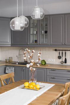There is no question that designing a new kitchen layout for a large kitchen is much easier than for a small kitchen. A large kitchen provides a designer with adequate space to incorporate many convenient kitchen accessories such as wall ovens, raised. Kitchen Buffet, Home Decor Kitchen, Kitchen Living, Interior Design Kitchen, Kitchen Furniture, Home Design, New Kitchen, Home Kitchens, Kitchen Ideas