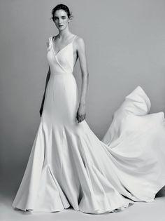 Viktor & Rolf estreia sua linha de noivas com fidelidade ao próprio DNA - Vogue   Desfiles