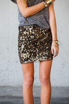 I really need a sequin skirt! I want a sequin skirt really really bad! Beauty And Fashion, Look Fashion, Passion For Fashion, Skirt Fashion, Spring Fashion, Looks Chic, Looks Style, Style Me, Pastel Outfit