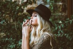 Best Online Stores for Women& Clothing. Want to know where you can buy the cheapest and best clothing for ladies online? Look no further because Stay at Home Mum has done all the research for you! Look Boho Chic, Best Online Stores, Online Shopping, Positive Self Talk, Calm Down, Trends, Facon, Madame, Sustainable Fashion