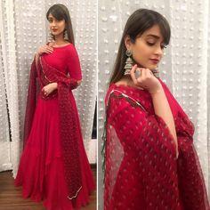 @ileana_official looking stunning in @ridhimehraofficial  @purabpaschim 💕 . . #actress #bollywoodactress #Bollywood  #bollywood…
