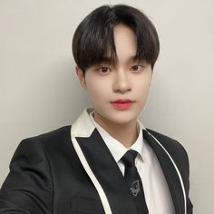 Lee Daehwi, Insight, Parenting, Shit Happens, Twitter, Instagram, Pictures, Photos, Childcare