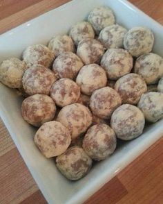 Complete Peanut Butter Truffles: 1 Cup of Natural Oatmeal 1 Cup of Organic Peanut Butter 1 Cup of Juice Plus Complete Chocolate 1/2 Cup of Makuna Honey 1/4 Cup of Flaxseed Mix ingredients and make into small balls. Place on a baking tray and put into freezer to set. Dust with Juice Plus Complete Vanilla. Once made keep refrigerated Enjoy xxx http://www.fit-forever.co.uk/