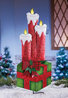 Lighted Holiday Candles Gift Box Stake