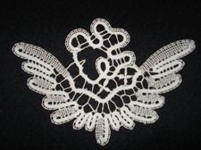 Lace Heart, Lace Jewelry, Bobbin Lace, Lace Design, Lace Detail, Butterfly, Pictures, Inspiration, Bruges