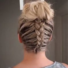 Dutch braid into messy bun Ponytail Hairstyles BRAID Bun dutch messy Braided Ponytail Hairstyles, Easy Hairstyles For Long Hair, Braids For Long Hair, Short Hair Messy Bun, Summer Hairstyles, Medium Hair Styles, Curly Hair Styles, Hair Upstyles, Hair Videos