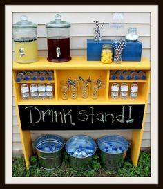 Drink Stand at a Football Party - backyard party Sweet 16 Parties, Grad Parties, Birthday Parties, Tailgate Parties, Football Parties, Backyard Parties, Bonfire Birthday Party, Sweet 16 Party Themes, Outdoor Graduation Parties