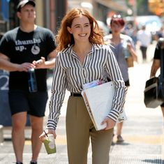 "#NewYork, #ZoeyDeutch Zoey Deutch - ""Set It Up"" Set in New York City 05/18/2017 