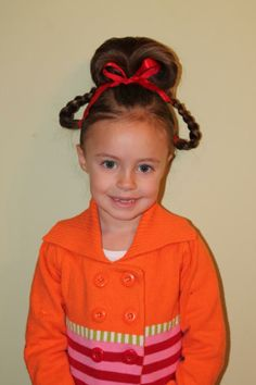 A Cindy Lou Who Hair Tutorial! its whoville hairstyles - HairStyles 50496617 Merry Halloween! A Cindy Lou Who Hair Tutorial! its whoville hairstyles - HairStyles Dr. Seuss, Dr Seuss Day, Cindy Lou Who Costume, Whoville Costumes, Whoville Hair, Wacky Hair Days, Crazy Hair Days, Make Up Tutorials, Dance Hairstyles