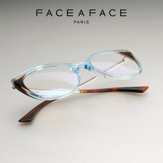 ANOUK The thin metal temples are set high for a refined and trendy look. A sculpted end-tip with strong facets turns the design into a pure createur concept. __________ #FACEAFACE_paris __________ #ANOUK #faceaface #frames #designer #paris #handmade #instaglasses #fashion #accessories #glasses #design #lunettesdevue #Opticalframes #optical #glassesporn