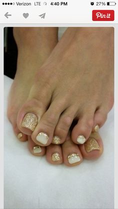 Toes-so in love with glittery gold right now!