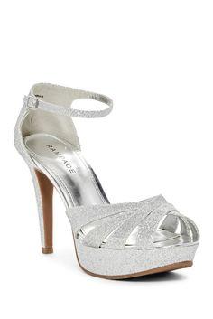 Kantina Sandal in Silver Sparkle!