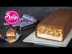 :) :) Rezept Riesen Snickers Riegel / Giant Snickers Bar - einfach aber dauert 2h - http://sallys-blog.de/suesse-rezepte/plaetzchen-und-kekse-2/item/591-riesen-snickers-riegel-giant-snickers-bar