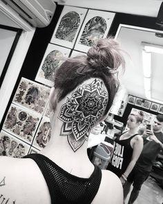 Head piece from yesterday .. #tattoo #mandala #mandalas #paisley #henna #ornamental #dotwork ... Tattoo Nape, Scalp Tattoo, Leg Tattoo Men, Head Tattoos, Sleeve Tattoos For Women, Feather Tattoos, Tatoos, Trendy Tattoos, Unique Tattoos
