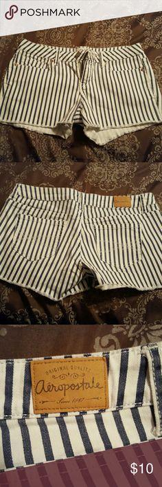 Shorts Navy blue and white stripes, 2 front pockets, 2 back pockets size 7/8 Aeropostale Shorts Jean Shorts