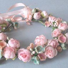 couronne de petites roses