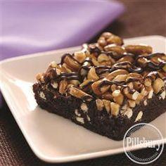 Fudgy Pretzel Brownies from Pillsbury® Baking Just Desserts, Delicious Desserts, Dessert Recipes, Yummy Food, Yummy Recipes, Recipies, Bar Recipes, Summer Desserts, Sweet Desserts