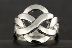 Large flat puzzle ring