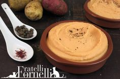 Amber #mashed #potatoes flavored with #saffron. A tasty side dish for an important lunch. - Fratelli ai Fornelli