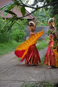 preparing a wedding dance, Lovina, Bali