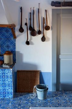 A RUSTIC SUMMER HOUSE ON THE ISLAND OF PANAREA | THE STYLE FILES