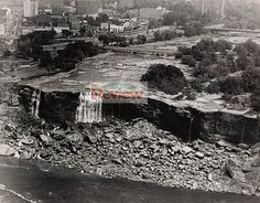 The Dewatered American Falls - 1969 Niagara Falls Facts, Niagara Falls Pictures, Niagara Falls Ontario, Fall Facts, Clifton Hill, American Falls, Dry River, Creepy Facts, A Moment In Time