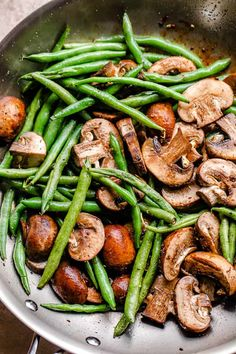 Veggie Side Dishes, Healthy Side Dishes, Food Dishes, Mushroom Cream Sauces, Mushroom Recipes, Easy Green Bean Recipes, Creamy Green Beans, Stuffed Mushrooms, Stuffed Peppers