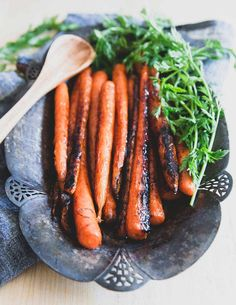 Easy stove-top candied carrots make a delicious and simple side dish to any spring meal. Easy stove-top candied carrots make a delicious and simple side dish to any spring meal. Carrot Recipes, Vegetable Recipes, Real Food Recipes, Vegetarian Recipes, Healthy Recipes, Skinny Recipes, Veggie Dishes, Savoury Dishes, Meat Recipes