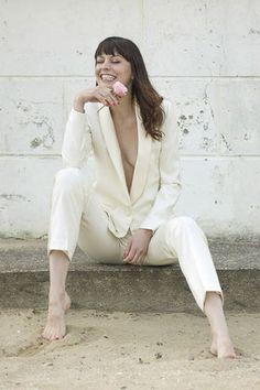 6113d114e81 Tailleur Blanc Mariage No Smoking Collection. Veste et Pantalon mariée Sur  Mesure à Paris