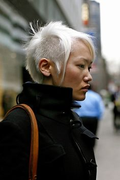 Short asymmetric mohawk. on The Fashion Time  http://thefashiontime.com/20-spectacular-mohawk-hairstyles-hair-length/#sg1