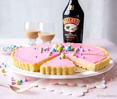 Baileys-bebepiirakka | Reseptit | Kinuskikissa Irish Cream, Baileys, No Bake Desserts, Tart, Sweet Tooth, Cheesecake, Goodies, Food And Drink, Pie