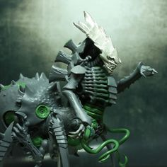 """""""Tyranid Tervigon"""". Wow.  WOW!!! IMO, this conversion (what I can see of it) is MUCH better than the official model!"""