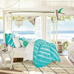 Tropical bedroom - Pottery Barn