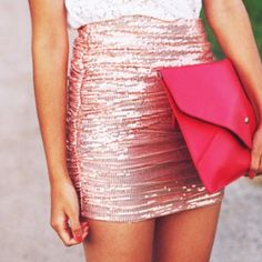who wouldn't want a pink sparkly skirt? Looks Style, Style Me, Glam Style, Cute Skirts, Mini Skirts, Pencil Skirts, Rosa Rock, Sparkly Skirt, Sequin Skirt