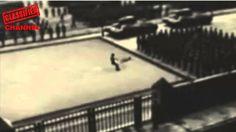 """EXIBICIÓN DE PATINAJE ARTÍSTICO CON FINAL EN MUERTE CASO REAL: MOSCÚ, DÍA DE LA REVOLUCIÓN CERCA DE LA PLAZA ROJA 1960 """"EXIBICIÓN DE PATINAJE ARTÍSTICO CON F..."""