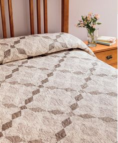 Code: ISBN: 9781604682496 Author: Pat Wys Neutrals--they're not just for backgrounds anymore! Pat Wys, top-selling author of Spotlight on Neutrals, has outdone herself with this new collection. You'll love exploring the nuances of neutrals with ea Monochromatic Quilt, Neutral Quilt, Patch Quilt, Quilt Blocks, Quilting Blogs, Crazy Quilting, Crazy Patchwork, Hand Quilting, Quilting Ideas