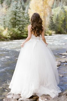 Photography: Tamara Gruner Photography - tamaragruner.com/   Read More on SMP: http://www.stylemepretty.com/2016/01/22/romantic-intimate-telluride-elopement/