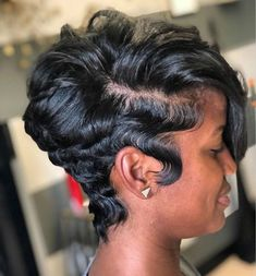 Beautiful short hairstyles wigs for black women lace front wigs human hair wigs . - Beautiful short hairstyles wigs for black women lace front wigs human hair wigs buy now Short Girl, Short Sassy Hair, Short Hair Styles Easy, Short Hair Cuts, Curly Hair Styles, Natural Hair Styles, Black Women Short Hairstyles, African American Short Hairstyles, Straight Hairstyles