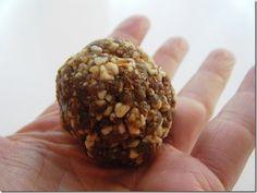 Cinnamon Raison Almond Balls ~ 1 C Raisins, 1 C almonds and 1 tsp. cinnamon in a food processor and form into balls!