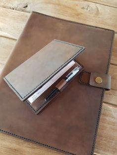 Leather#Folder#GolfScoreCardHolder#CorporatwGift Leather Folder, Leather Projects, Corporate Gifts, Hand Stitching, Leather Briefcase, Promotional Giveaways