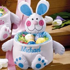 Handmade Easter Gifts for Kids, 15 Colorful Easter Ideas Easter Gifts For Kids, Christmas Gifts For Kids, Easter Crafts, Easter Ideas, Holiday Crafts, Personalised Gifts Handmade, Diy Ostern, Coloring Easter Eggs, Easter Colors