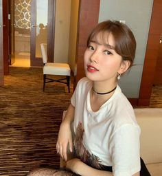 Actress and singer Suzy added this season's fun elements to her look with loose threads and soft tulle. Female Actresses, Korean Actresses, Suzy Bae Fashion, Korean Girl, Asian Girl, Kdrama, Miss A Suzy, Bae Suzy, Girls Girls Girls