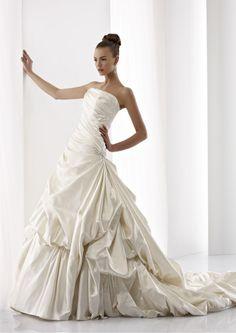 Collezione abiti da sposa #Jolies, abito da #sposa modello JOAB13010DI