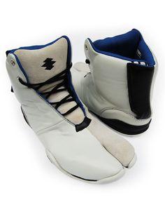 """Split-toe Shoes, """"Flying Monkey"""""""