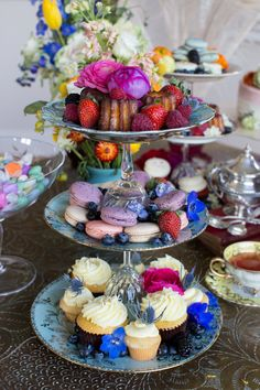 DIY tiered cake plates are a perfect addition to any tea party. Grab vintage plates and glue glass wine glasses to them to stack. I Cup, China Art, Vintage Plates, My Cup Of Tea, Cake Plates, Tea Parties, Tiered Cakes, High Tea, Cannabis