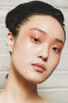 Spring 2019 Makeup Trends - Spring and Summer Beauty Trends 2019 - Summer Make-Up Makeup Trends, Beauty Trends, Beauty Hacks, Beauty Tips, Beauty Shoot, Makeup Ideas, Makeup Tips, Antonio Marras, Summer Beauty