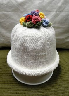 Knitted baby hat, from the book Itty Bitty Hats, finished 05Jan2013...I think I'll make a little scarf to go with!!